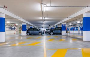Parkhäuser und Tiefgaragen